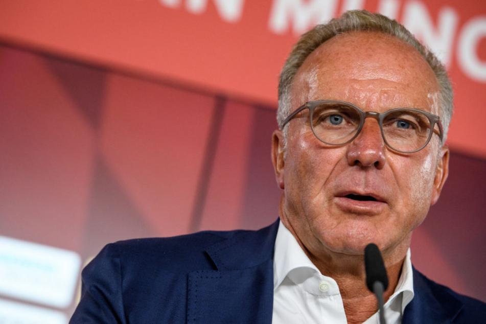 Karl-Heinz Rummenigge findet, dass seine Spieler von den Schiedsrichtern besser geschützt werden sollten.