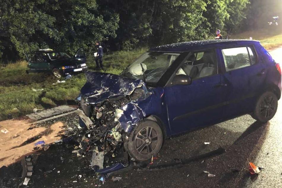 Unfall auf Rennstrecke: Zwei Autos krachen zusammen, mehrere Verletzte