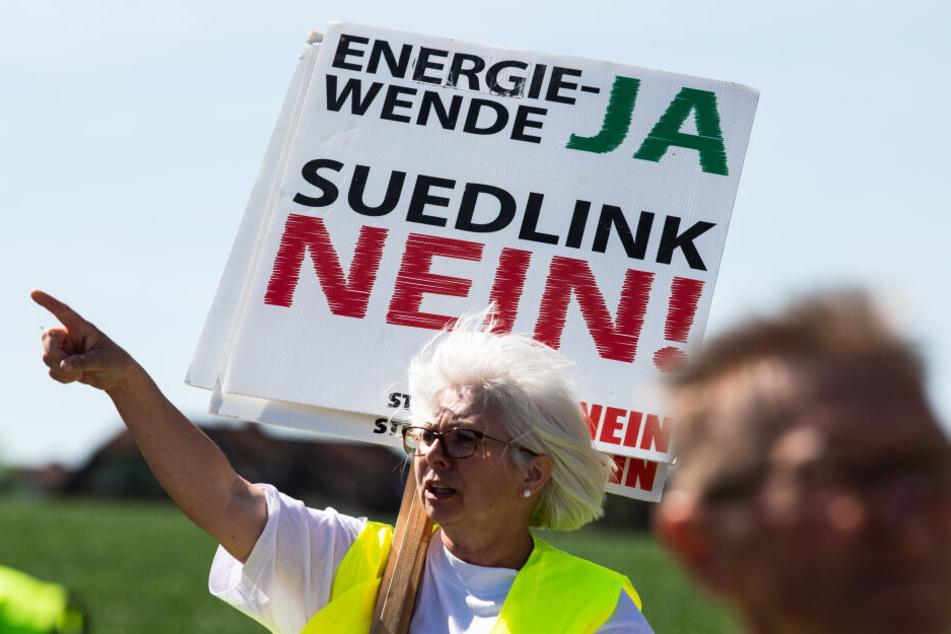 In Lauchröden hatten sich Menschen aus ganz Deutschland für eine Demo gegen die Stromtrasse getroffen.