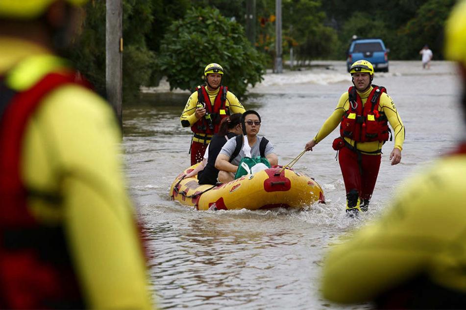 Tausende Haushalte müssen aus dem überfluteten Gebiet evakuiert werden.