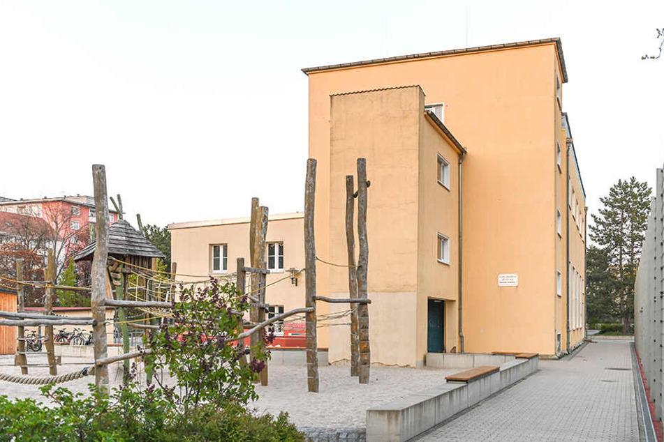 Das ist eine der Trainingshallen des Vereins an der Dinglingerschule in der Johannstadt.