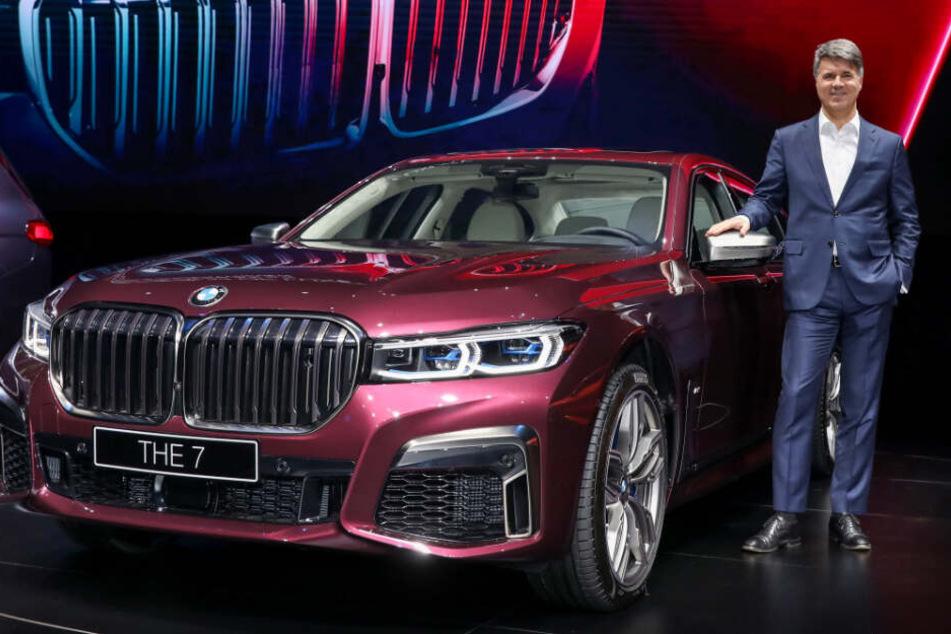 Vorstandschef Harald Krüger stellte den neunen BMW in Shanghai vor.