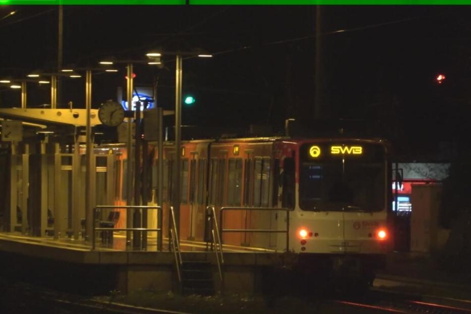S-Bahn gerät außer Kontrolle, Fahrgäste werden zu Helden