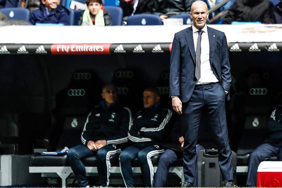 Zinedine Zidanes Villa wurde geplündert, als sich der Trainer von Real Madrid im Urlaub befand.