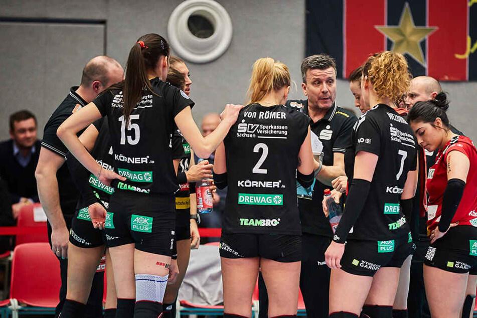 Enttäuschung bei den Dresdnerinnen nach der Niederlage.