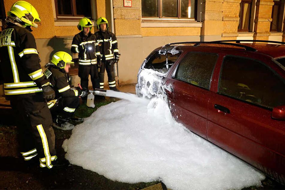 Durch die Hitze sprang an dem Ford ein Fenster.