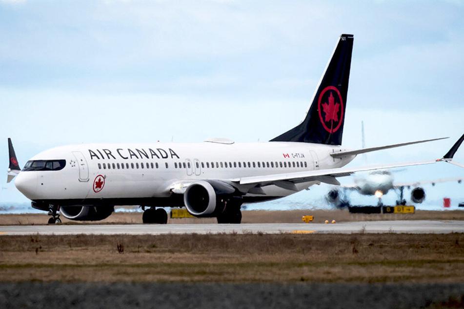 Während eines Air-Canada-Fluges wurde eine schlafende Frau im Flieger vergessen.