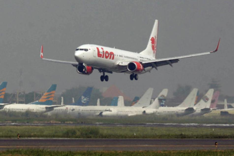 Ein Flugzeug der Lion Air, Indonesiens größter Billigfluggesellschaft,