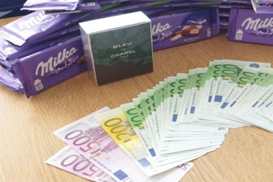 7700 Euro und 30 Tafeln Milka in einem Rucksack: Kuriose Story hat ein Happy End