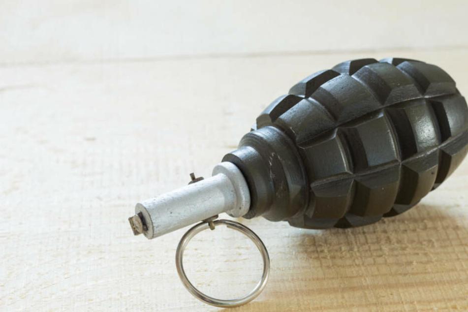 Wie die Polizei mitteilte, habe es sich bei dem verdächtigen Gegenstand lediglich um eine Übungs-Handgranate gehandelt (Symbolbild).