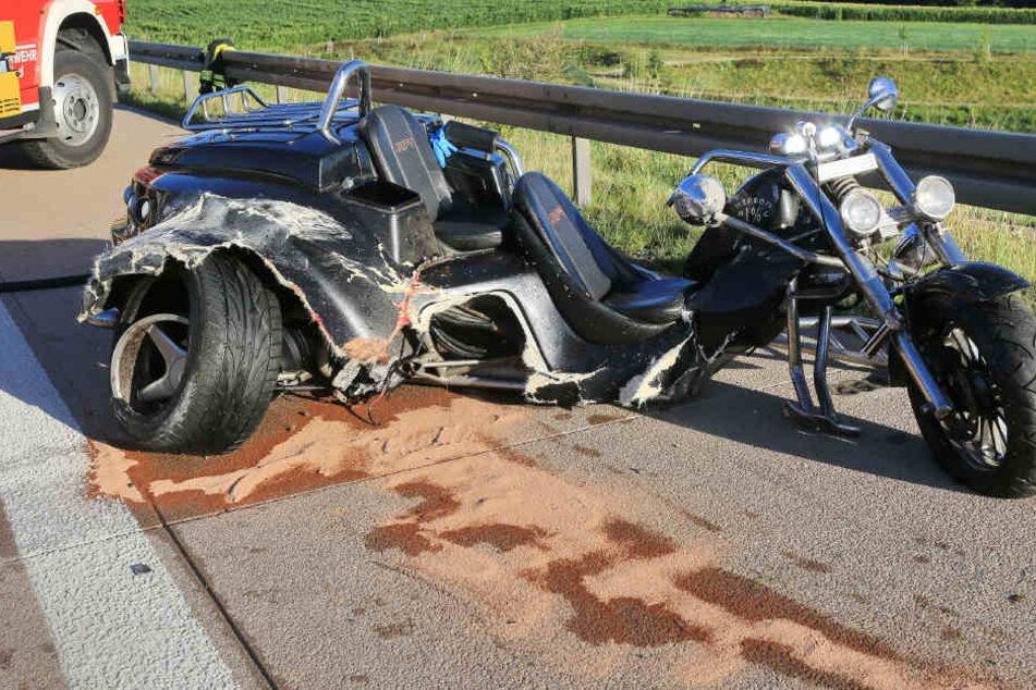 Der Fahrer starb noch an der Unfallstelle.
