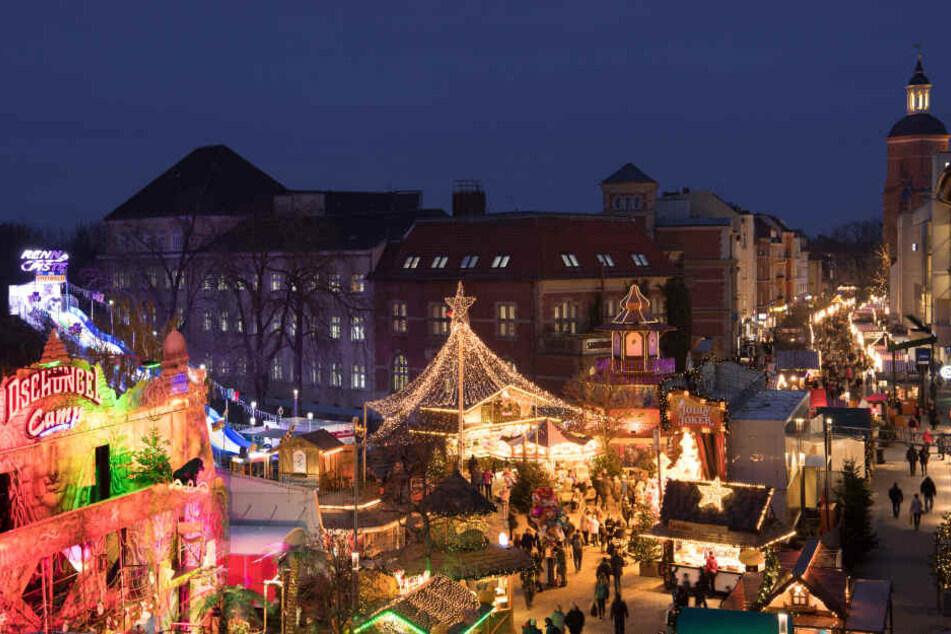 Die Spandauer Altstadt verwandelt sich in einen Wintertraum.