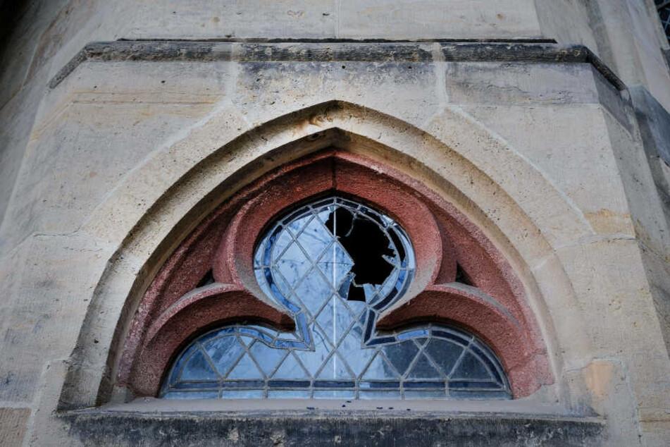 In der Silvesternacht hatte ein 55-jähriger Mann mehrere Scheiben der Thomaskirche durch Steinwürfe zerstört.
