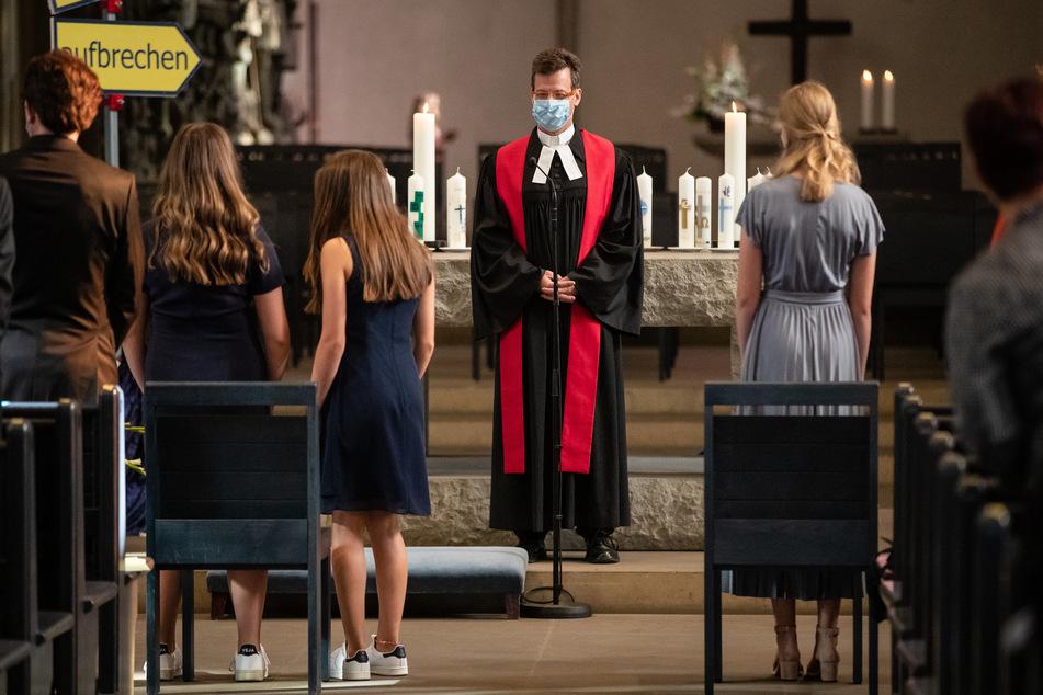Die evangelische Landeskirche verlängert wegen der Corona-Pandemie 2021 den Zeitraum für Konfirmationen.