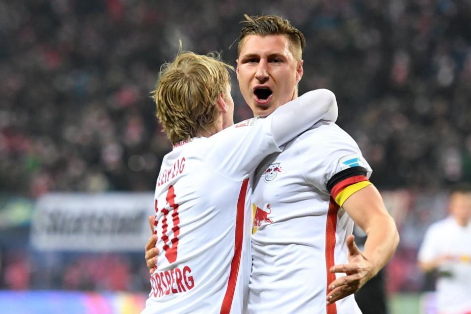 RB-Kapitän Willi Orban (r.) nach seinem 2:0-Treffer gegen Berlin.