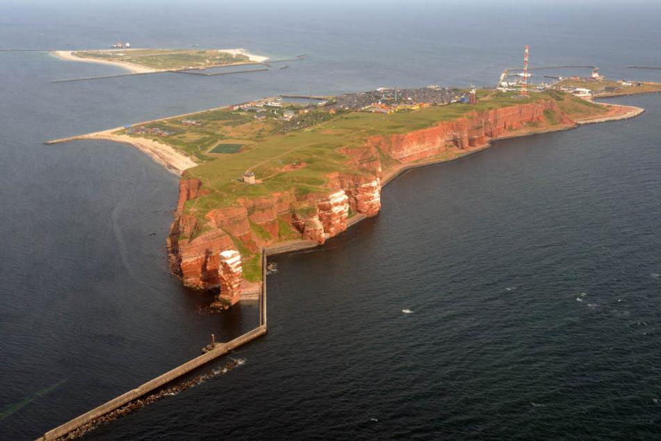 Die Ölspur trieb 25 Kilometer westlich von Helgoland (Archivbild).