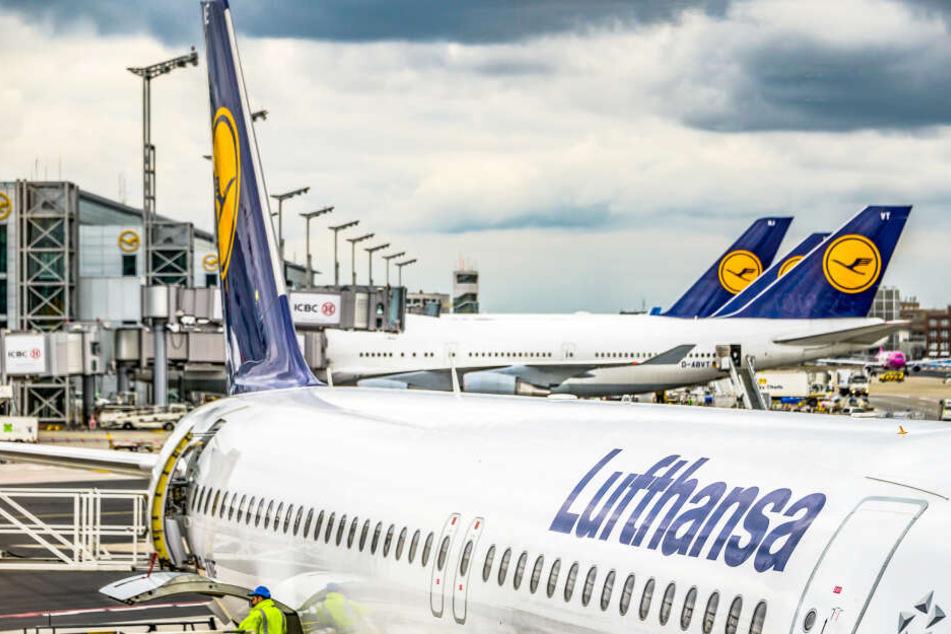 Dunkle Wolken ziehen auf: die Kranich-Airline wurde im vergangenen Jahr immer unpünktlicher (Symbolbild).