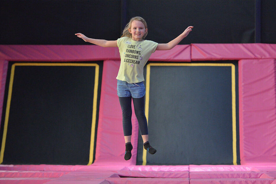 "Springen macht Spaß: Hannah (9) gefällt das Trampolin bei ""Jump'n Play""."