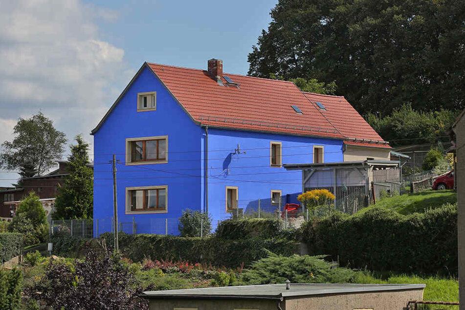Dieses blaue Haus löste 2013 den Fassadenstreit aus.