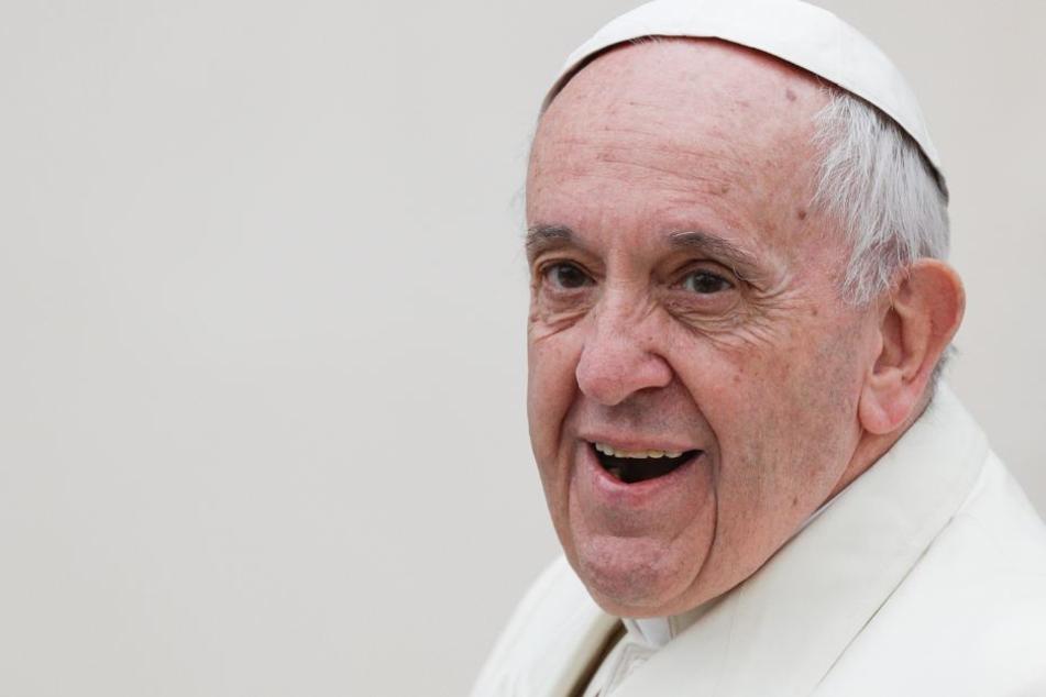 Papst Franziskus unterstützt jetzt die Rogamus-Stiftung, die den kirchlichen Nachwuchs fördern soll.