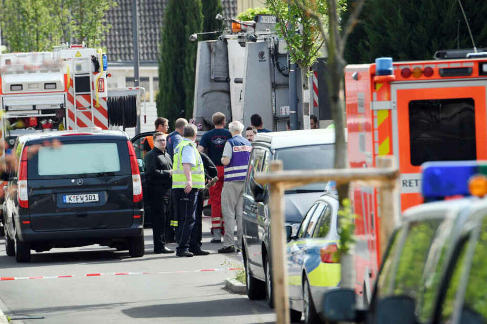 Ein Siebenjähriger ist dort von einem Müllwagen erfasst und tödlich verletzt worden.
