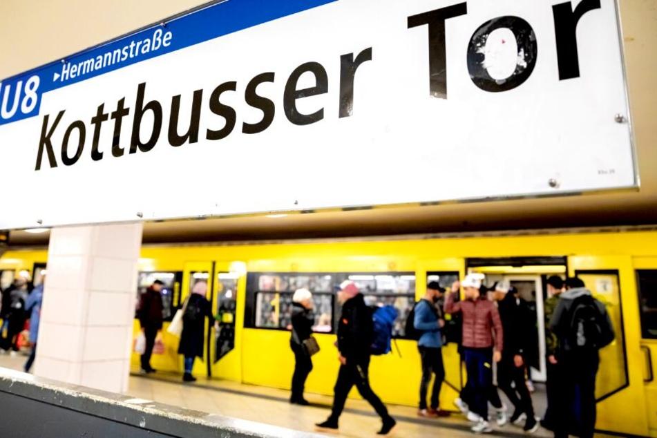 Mann vor U-Bahn gestoßen: 26-Jähriger wegen Mordes in U-Haft!