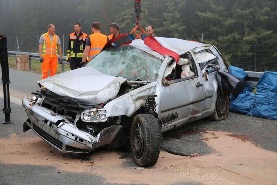 Frau stirbt bei schwerem Unfall auf der A9