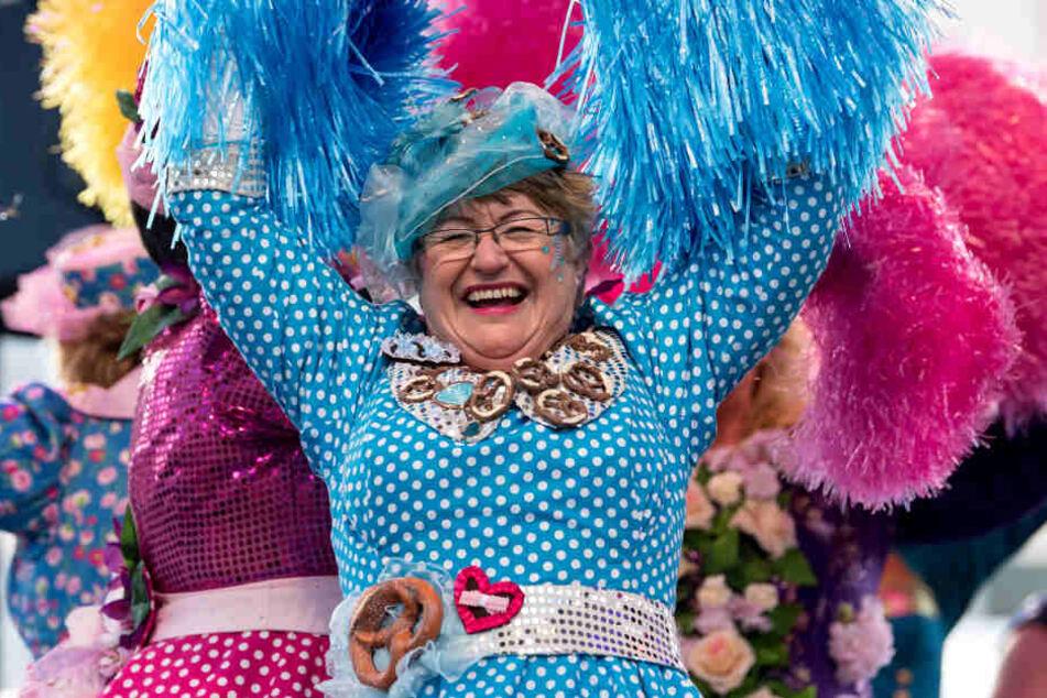 """Mit dem """"Tanz der Marktweiber"""" wird traditionell die närrische Zeit in der bayerischen Landeshauptstadt beendet."""