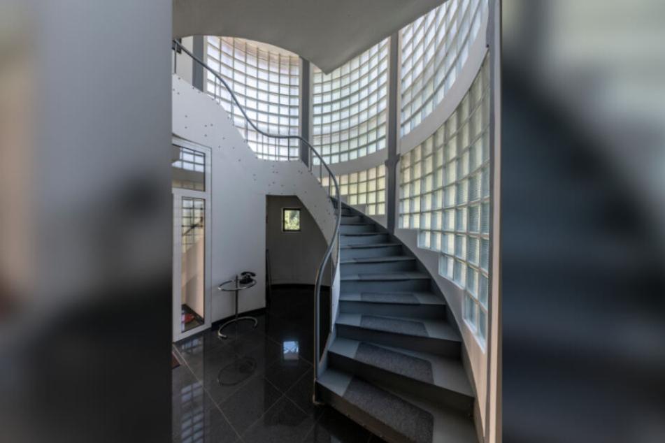 Der Blick ins Treppenhaus der Villa wird Besuchern nur selten gewährt.