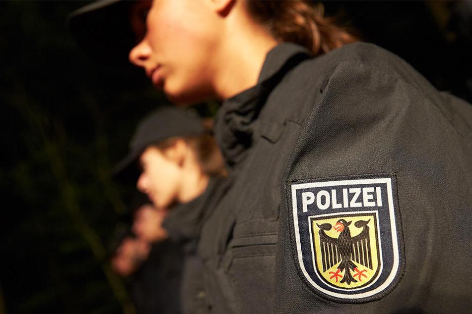 Frau angegriffen und begrapscht: Polizei sucht Zeugen