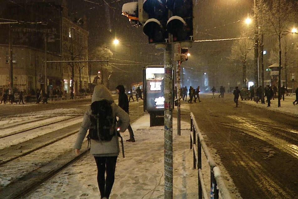 Auf der Kreuzung ging es heiß her zwischen den Schneefans.