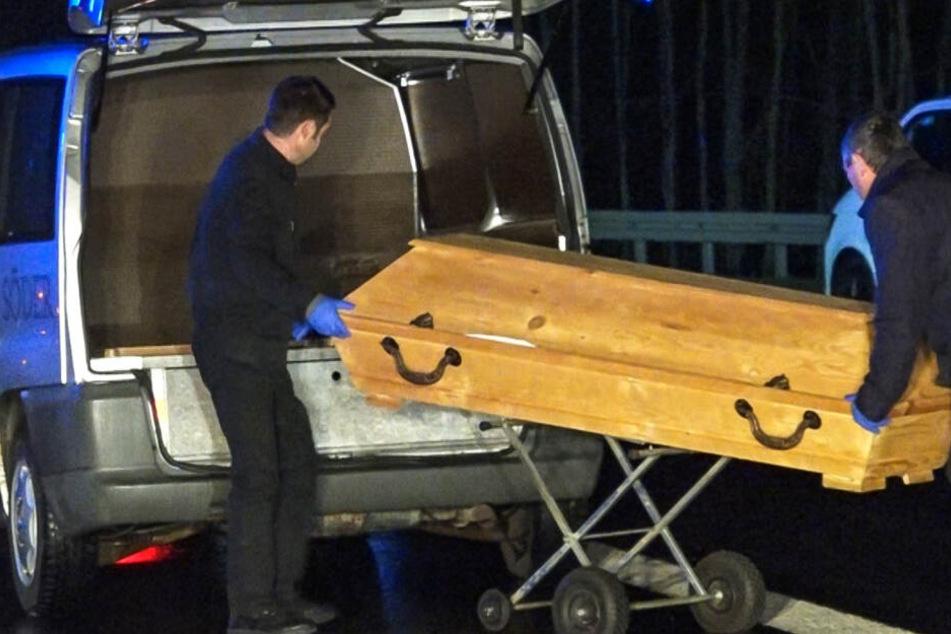 Das Unfallopfer starb an Ort und Stelle aufgrund seiner schweren Verletzungen.