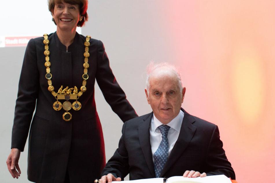 Oberbürgermeisterin Henriette Reker (parteilos) überreichte den Preis.