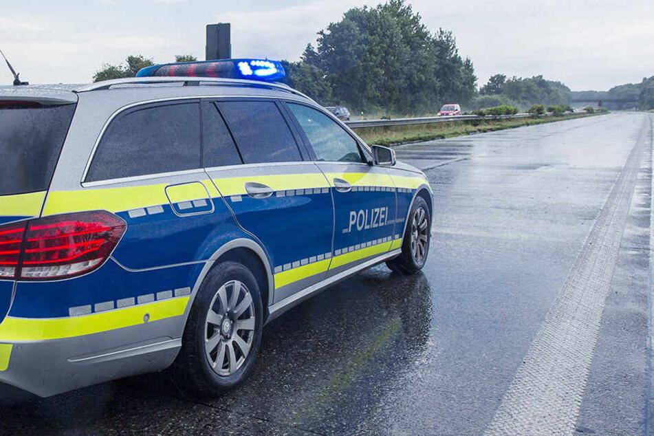 Zwei mutmaßliche Autodiebe haben sich auf der A4 eine Verfolgungsjagd mit der Polizei geliefert.(Symbolbild)