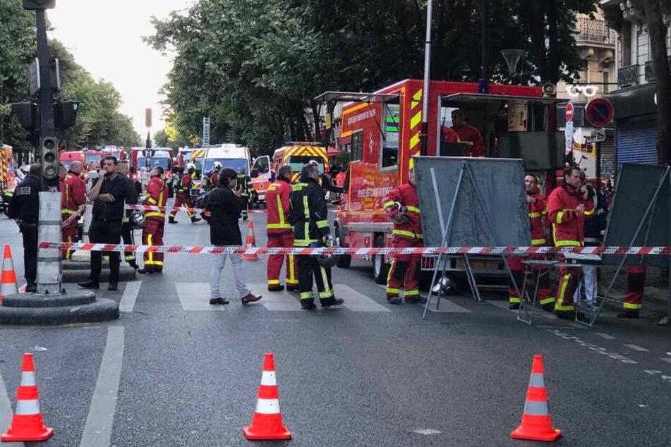 Rund 200 Feuerwehrleute sind im Einsatz.