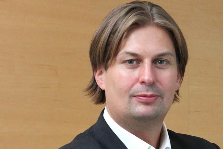 AfD-Mann und Anwalt Maximilian Krah (40) hat sich zum Terror bei Rock am Ring geäußert.