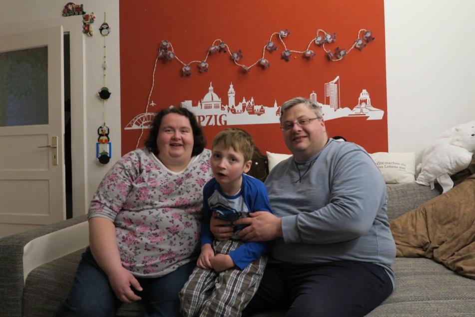 Domenik und seine Eltern sind auf der Suche nach einem neuen Zuhause.