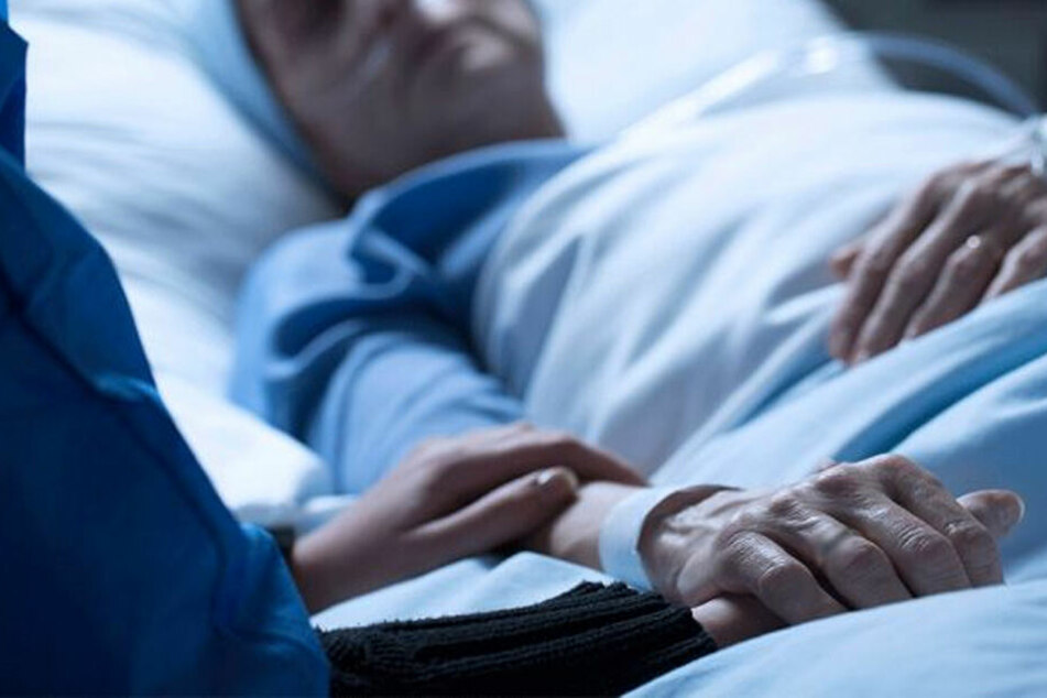 Koma-Patientin bringt Baby zur Welt: Pfleger festgenommen