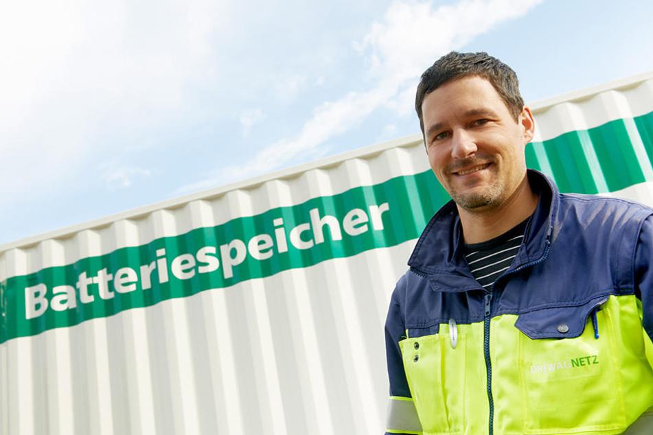 Projektleiter Thomas Dautert plant für die DREWAG Transport und Aufbau der Metall-Kolosse.