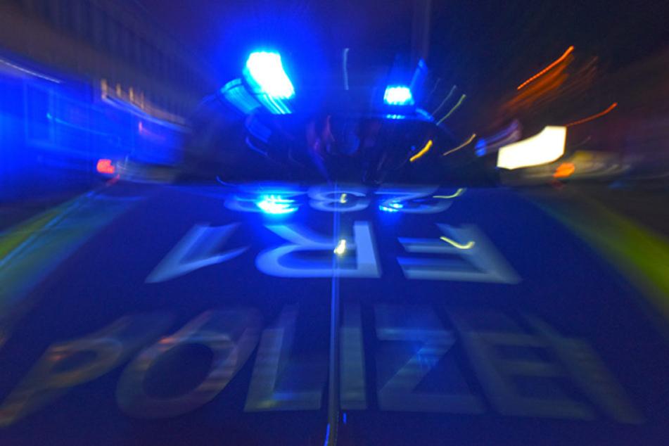 Bei einer Verfolgungsjagd wurde ein Polizist verletzt.