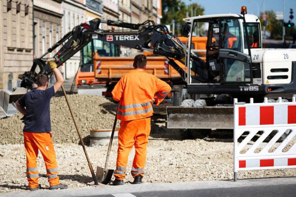 Der 56-Jährige arbeitete auf einer Baustelle, doch Lohn bekam er erstmal keinen. (Symbolbild)