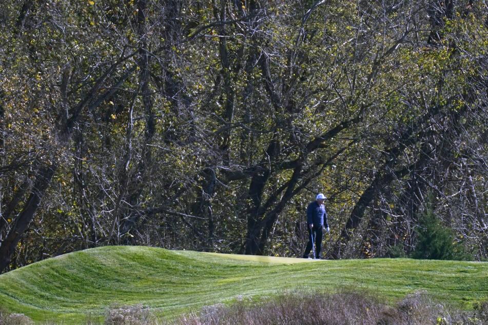 Donald Trump, Präsident der USA, nimmt an einer Golfrunde auf dem Trump National Golf Course teil, als Joe Biden als künftiger US-Präsident verkündet wird.