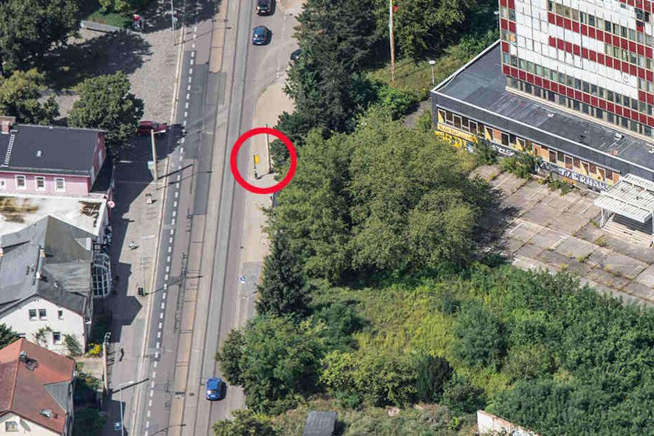 An der Haltestelle Wasastraße in Radebeul wurde der 17-Jährige attackiert.