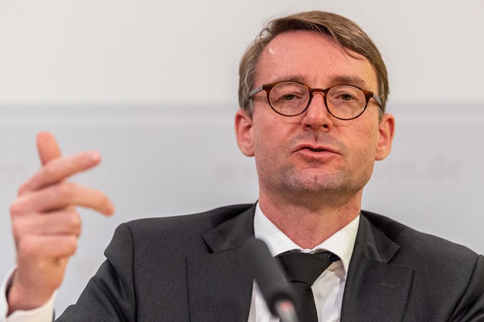Innenminister Roland Wöller (49, CDU) hat Fördergelder in Aussicht gestellt.