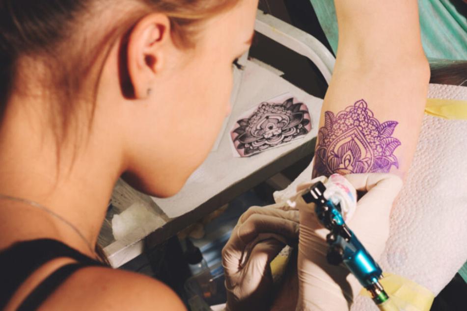 Tattoo-Aus? EU will Tätowier-Farben verbieten