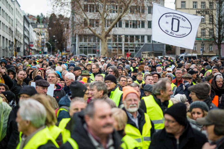 Jeden Samstag protestieren Gegner des Diesel-Fahrverbots in Stuttgart.