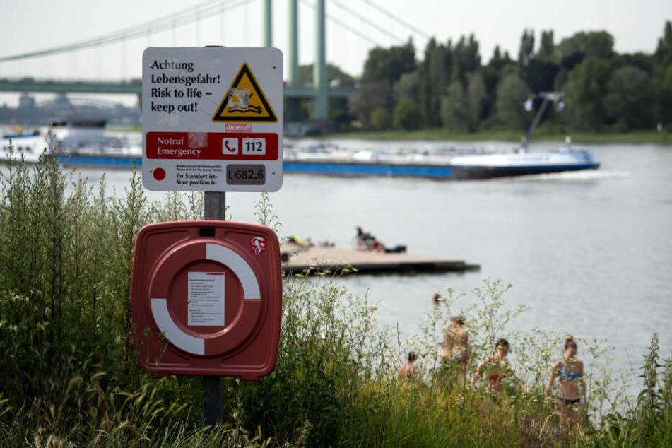 Der Rhein in Köln. Der Fluss birgt gefährliche Strömungen.