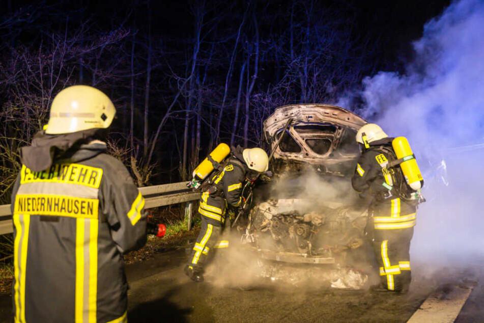 Wagen auf A3 bei Niedernhausen in Flammen