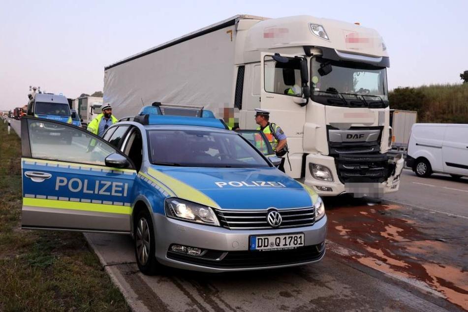 Die Polizei verschafft sich ein Bild vom Unfall.