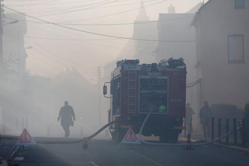 Die Straßen in Rödlitz waren schwer verqualmt.